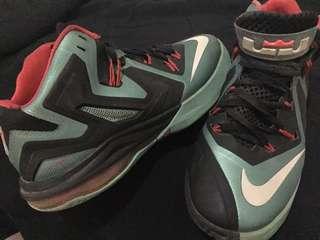 Sepatu Basket LeBron ambassador 6