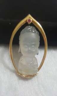 天然緬甸玉a貨高冰超萌小沙彌臉部磨砂鑲嵌18k真金紅寶石設計造型墜子