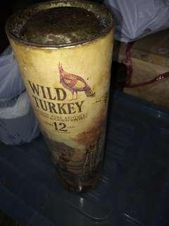 威士忌十二年。撞断樽頭。平賣。