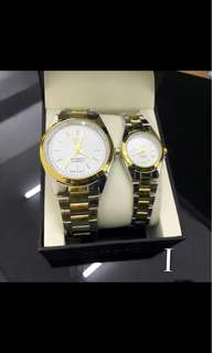 COUPLE WATCH WITH BOX 😍