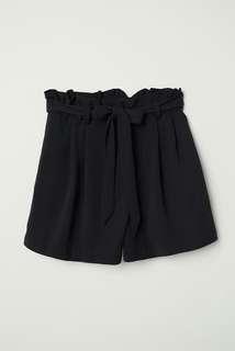 H&M paper-bag black shorts