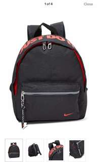 Nike base backpack 💯% authentic