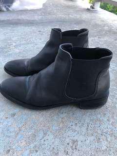 Top shop black leather Chelsea boots 7.5