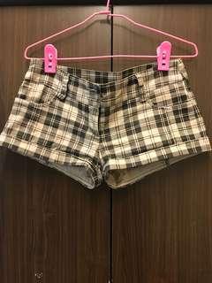 🚚 格子超短褲