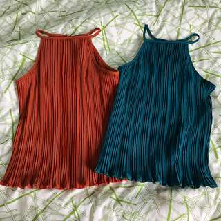 SCRUNCHED UP RIBBED FLOWY HALTER TOP