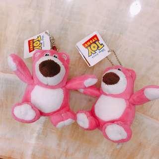 全新 熊抱哥吊飾兩隻