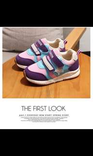 Brand new Girls sport shoes purple and pink in color