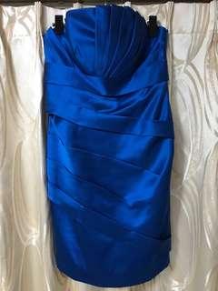寶藍色平口洋裝