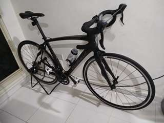 Carbon road bike specialized