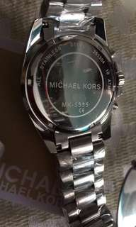 Michael korrs watches pawnable