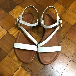 Rustan's Kiddos sandals