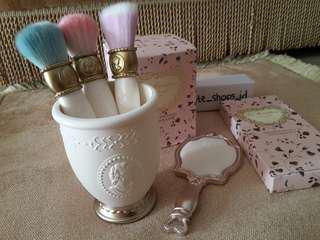 Laduremakeupbrush set