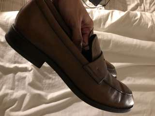 TODS - size 42 (Italian 9) - With Box !!!