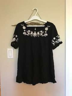 Forever 21 black embroidered top size small