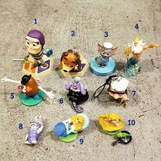 日本 價格在內容裡  迪士尼玩具總動員巴斯紅心馬蛋頭先生小美人魚烏蘇拉瑪麗貓睡美人長髮公主阿布怪獸電力公司樂佩變色龍飛天巧克力蛋吊飾絕版