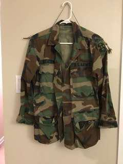 Thrifted army jacket size small