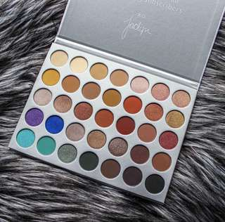 🌸SALE🌸[Authentic] MORPHE Jaclyn Hill Eyeshadow Palette