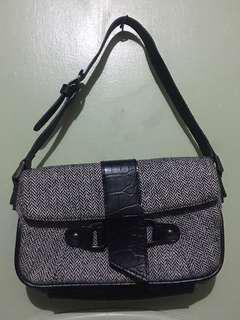 Estee lauder small hand bag