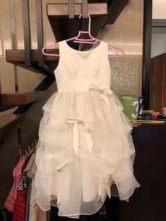 🚚 米白色緞面孩童禮服 九成新