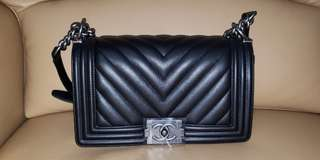 CHANEL BOY Handbag 全新 25cm Medium Size