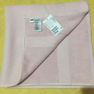 Brandnew h&m pink towel