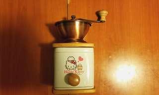 全新 Hello Kitty 磨碎豆機, 可將藥材磨成粉, 磨豆類產品,最後一件,無包装