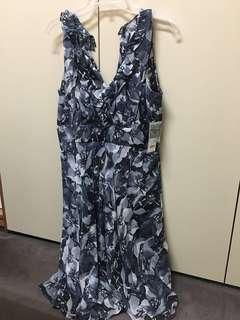🚚 Donna Ricco 前V後V小碎花短裙(顯瘦款)