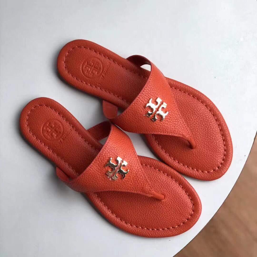 b1a0f351519f8b Authentic TORY BURCH Laura Flat Thong Tumbled Leather Sandals ...