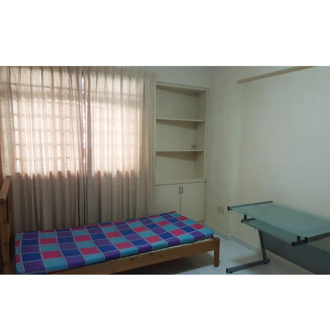 blk 322b anchorvale drive common room for rent. ffurn, aircon. chinese owner