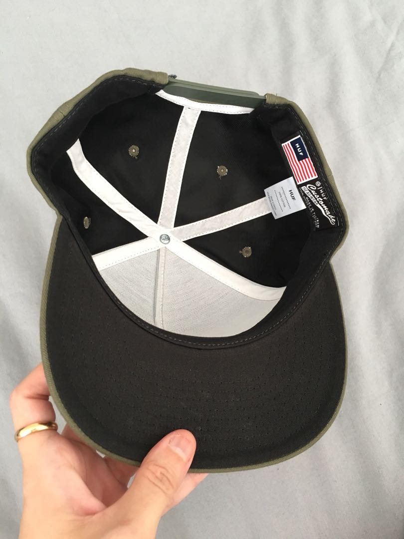 64a4124c HUF Snoopy Snapback, Men's Fashion, Accessories, Caps & Hats on Carousell