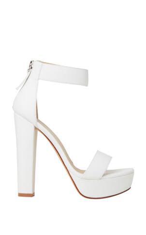 Lipstik Believer White Heels