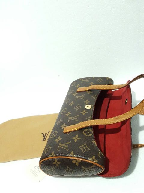 6674400fb6d0 LOUIS VUITTON Monogram Sonatine handbag