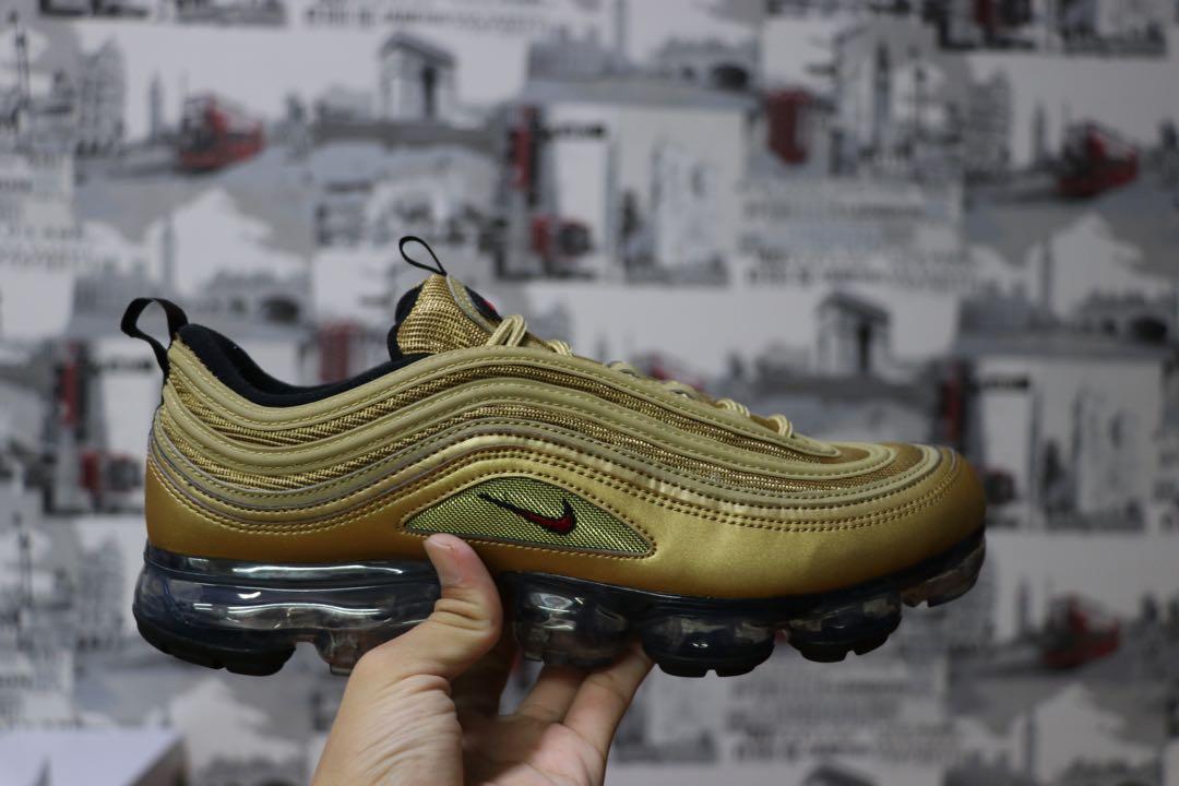 42ecb448735 Nike Air Max Vapormax 97 Metallic Gold Us10.5 Uk9.5 New