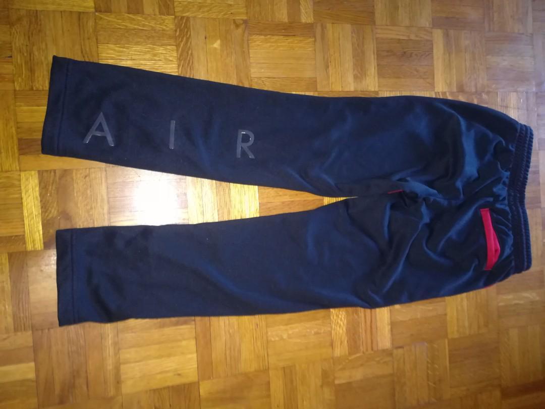 Nwt Jordan jogging pants boys size med 10-12