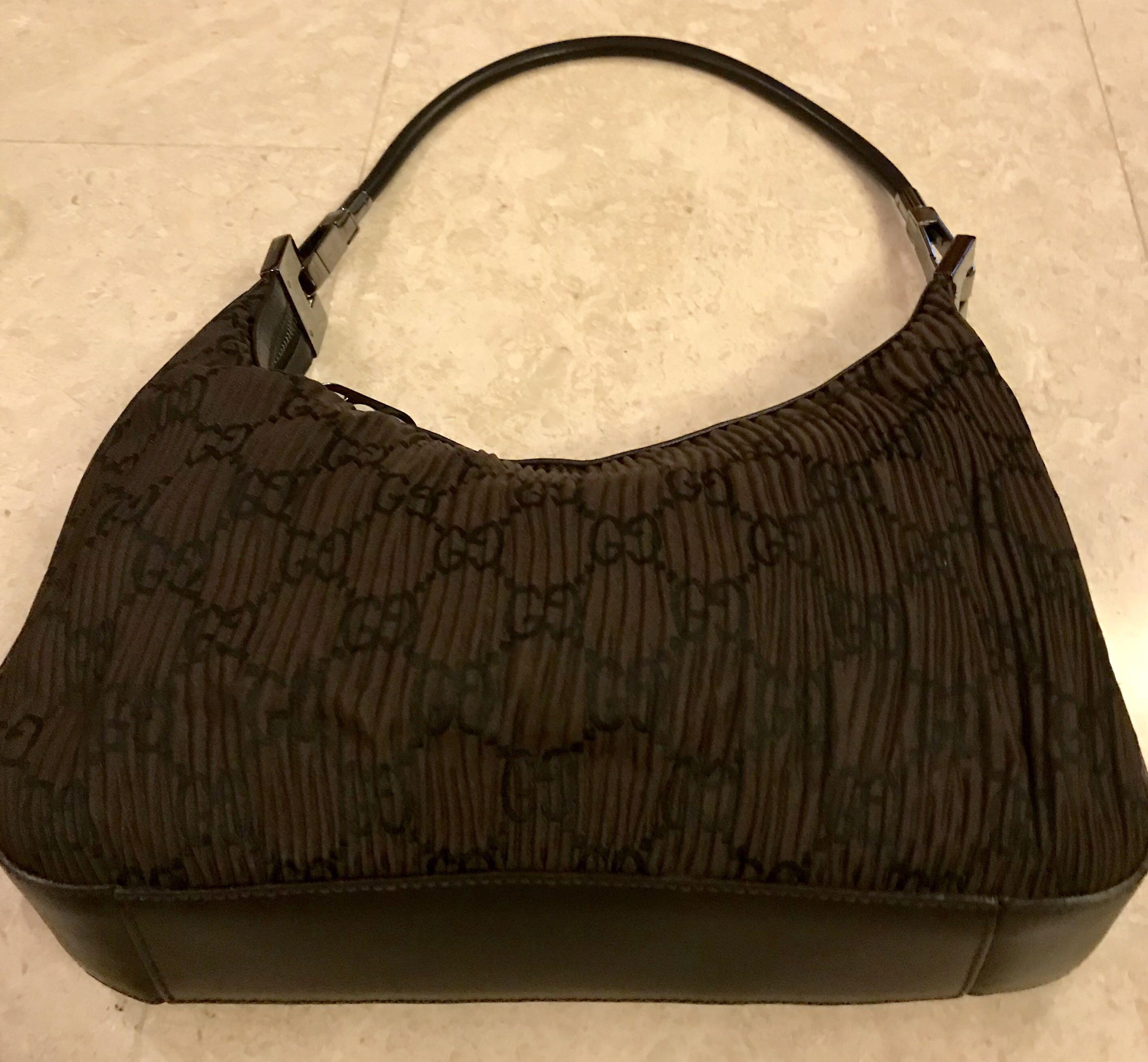 262010562 Preloved GUCCI handbag, Women's Fashion, Bags & Wallets, Handbags on ...