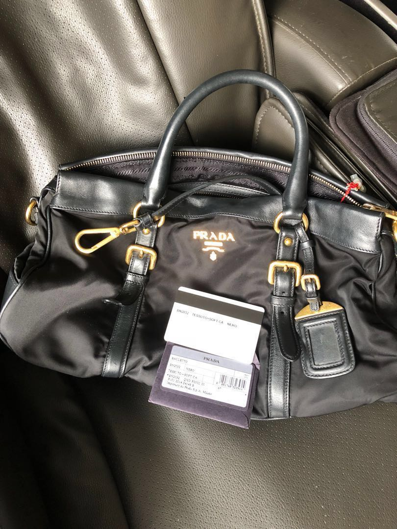 c25720609adc Pristine condition Prada bag  reduced