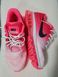 NIKE AIR MAX SIZE 9US WOMAN