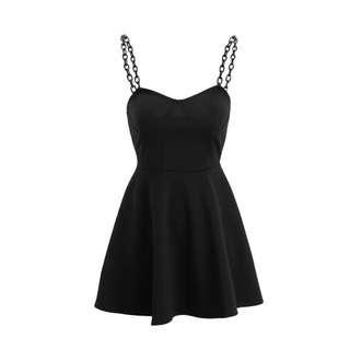 🚚 【黑店】性冷淡風簡約黑色鏈條傘洋裝 細肩帶傘洋裝 大裙襬洋裝 個性小洋裝 百搭時尚小黑裙 暗黑系小洋裝