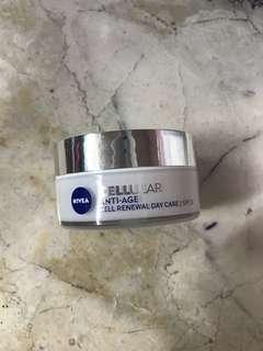 Nivea Cellular Anti-Age Cell Renewal Day Care Cream