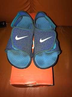 Nike sunray sandals 2Y