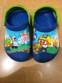 Sepatu crocs original pororo
