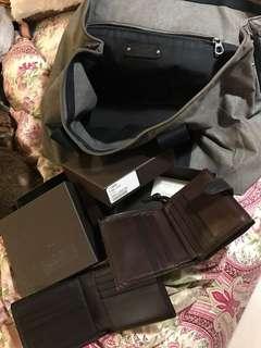 爽快者$2300 共3⃣️件 售2個BOTTEGA wallet 加送一個BOTTEDA 袋