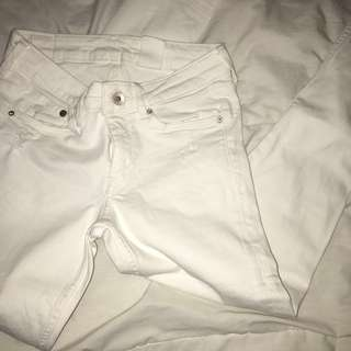 [PRICE DROP]White Ripped Jeans