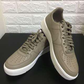 Nike air max Air Force 1 lthr 卡其