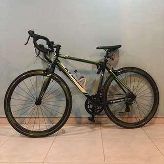 Trinx Tempo 2.0 Road Bike