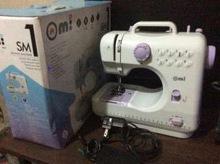 OMI Sewing Machine SM1