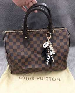 On hand bags for sale!!!