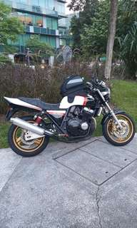 Anyone wanna coi/trade with my Honda CB400 Super Four Version S