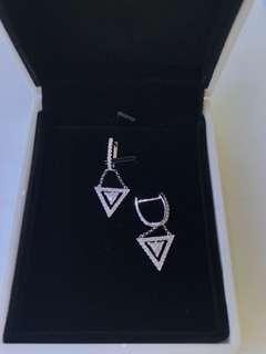 18K White Gold 0.68ct triangular shaped diamond earrings