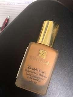 Estee Lauder Double Wear Stay-in-place makeup - 5W1 Bronze
